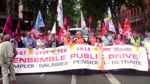 Les fonctionnaires manifestent pour les salaires et l'emploi