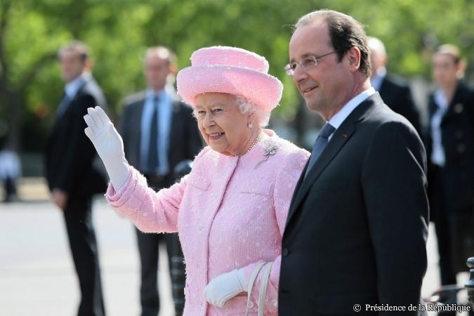 François Hollande reçoit la Reine Elisabeth