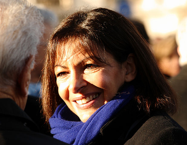 Anne Hidalgo veut interdire cars et poids lourds diesels à Paris