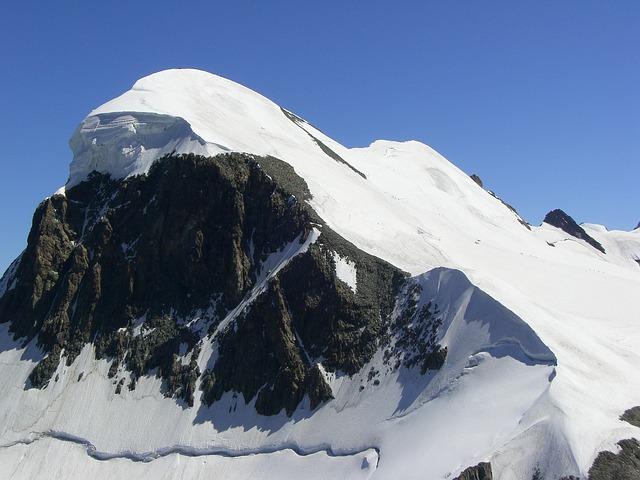 Pyrénées. l'accès à Luz Saint Sauveur bloqué en raison d'éboulements