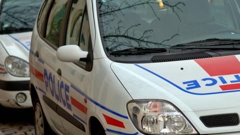Auch. un exhibitionniste se masturbe devant le lycée, la police est à sa poursuite