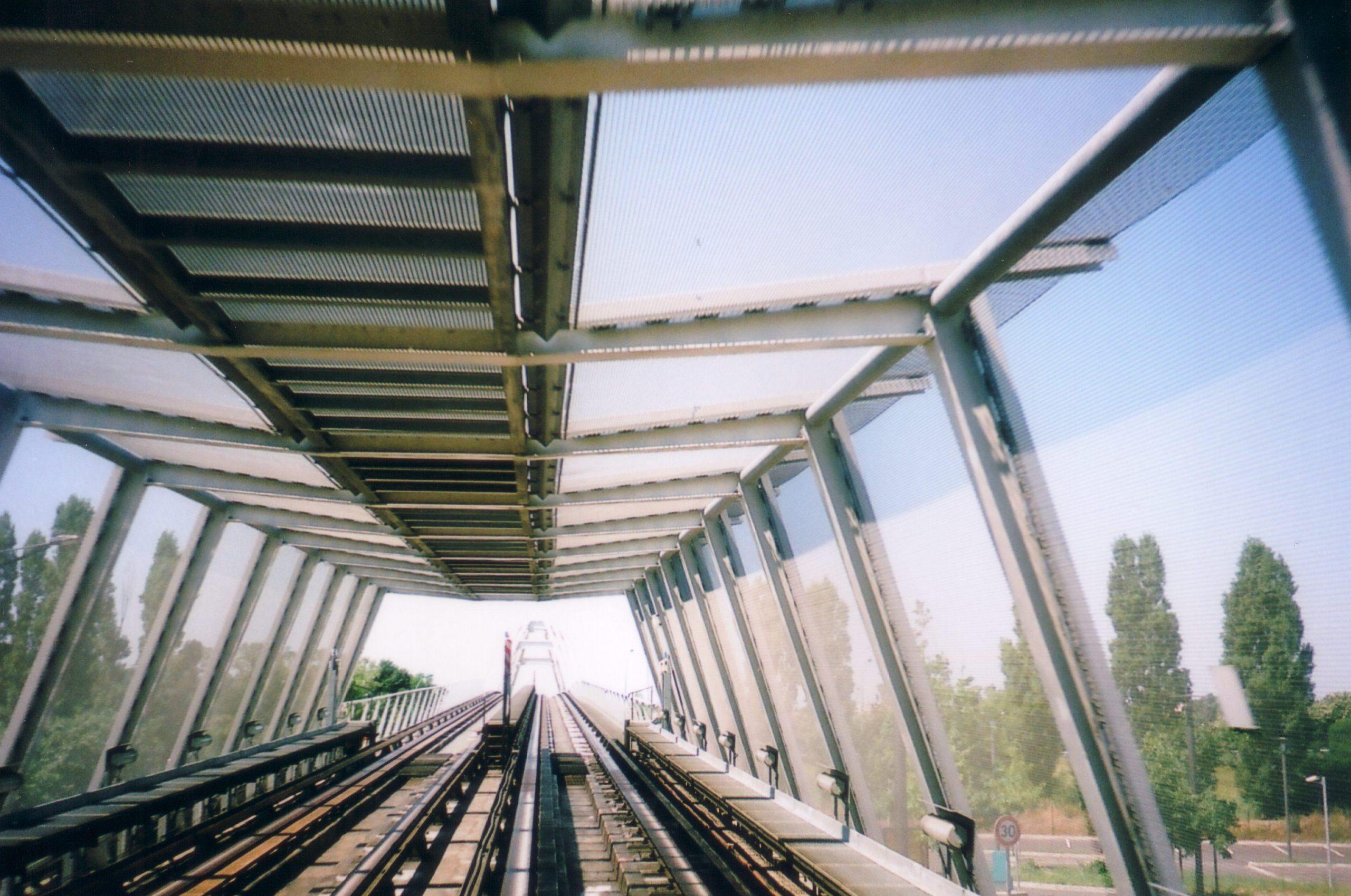Métro à Toulouse. la ligne A à 3 rames démarre le 8 janvier