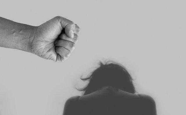 Féminicides Nicole Belloubet admet des failles de la justice