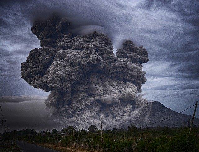 Le volcan Nyiragongo gronde panique à Goma