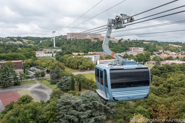 Toulouse, Premiers tests des cabines du téléphérique Oncopole Rangueil