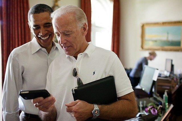 """Joe Biden """"défend fermement"""" le retrait des troupes américaines d'Afghanistan"""