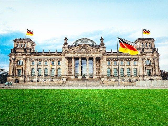 Allemagne : Olaf Scholz, le candidat du SPD, monte en flèche dans les sondages