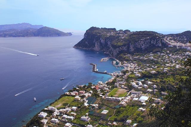 """Tourisme en Italie : à Capri, """"un été presque normal"""""""
