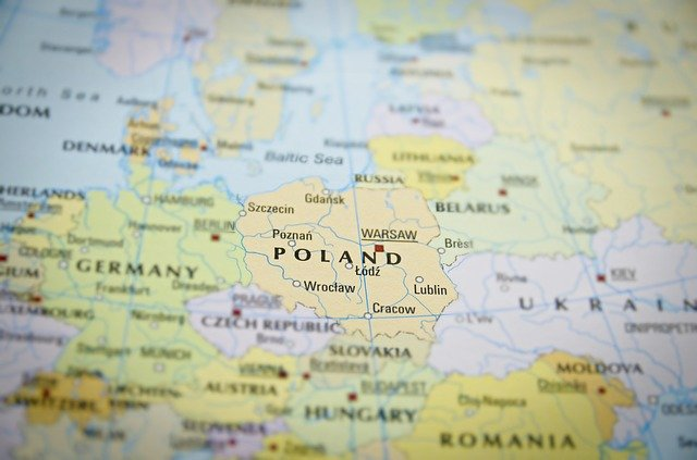 L'athlète bélarusse en exil, Krystsina Tsimanouskaya, a atterri en Pologne