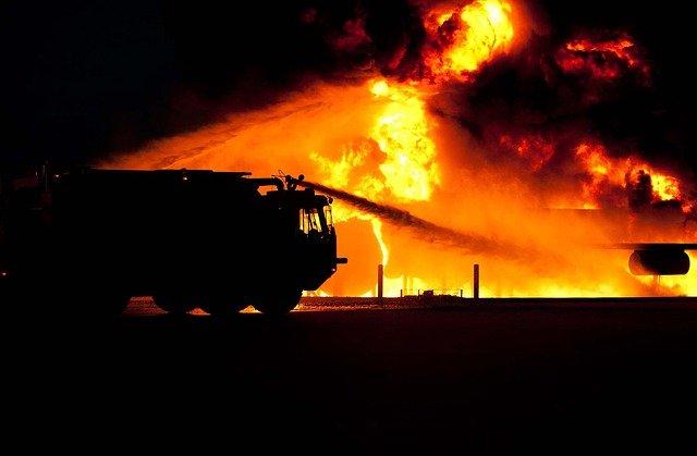 Incendie dans le Var - des centaines de pompiers mobilisés