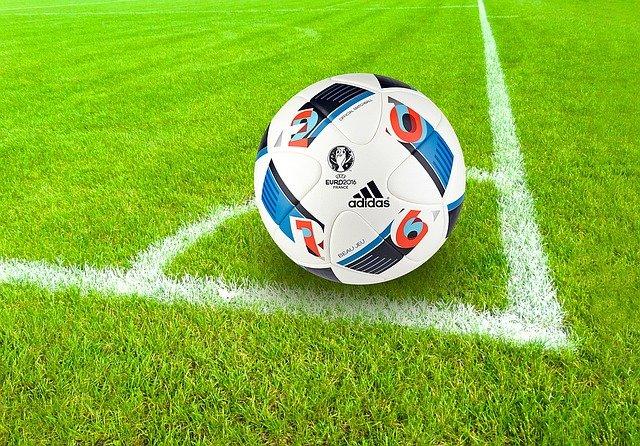 Le Paris Saint Germain gagne à Brest mais prend 2 buts