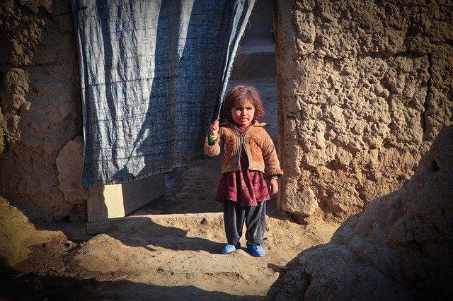 """""""les talibans fouillent les maisons pour savoir qui a travaillé avec les étrangers"""""""