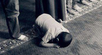 À Kaboul, les prières du vendredi se déroulent sous les yeux des talibans armés