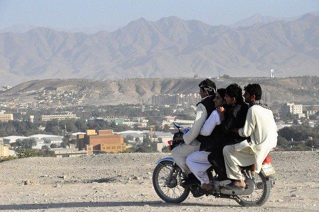 VIDÉO. Afghanistan : scènes de chaos à l'aéroport de Kaboul