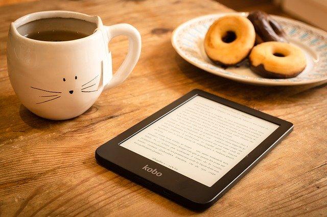 """Amélie Nothomb publie son 30e livre """"Premier sang"""""""