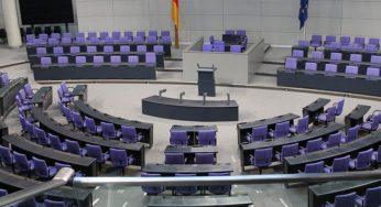 Législatives en Allemagne : Armin Laschet reste prêt à des discussions avec Verts et FDP
