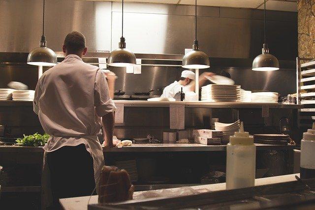 Top Chef : M6 s'explique sur Michel Sarran