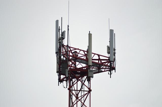 Deux antennes relais téléphoniques incendiées dans le Tarn